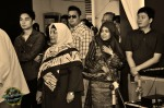 Amongst the guests who came were Didicazli (left) and Warna 94.2FM's Mariam Mas'od (2nd from right)...