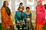 With the ladies from Weddingku Gallery, the ones responsible for the couple's first outfit on that day...