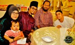 Fellow deejays (from right): Zan Sofiyan, Brader Bo, Dyn Norahim and the latter's family, wife Nur Sodiqin and daughter Kiraz...
