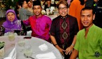 Taufik Batisah came to the dinner event with his mother, Madam Normainah Bachok. He is joined by celebrity hairdresser Abang Awie (bespectacled) and his friend...