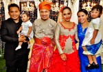 The newly-weds with Fadzly B8 and family...