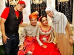 With the groom's best friend, Zan Sofiyan and wifey Arfah...