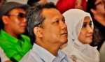 Amni Musfirah's proud parents...