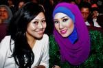 Fadiana Zulkifli and Nur'azizah Ibrahim came to support their fellow contestants. Don't they just look much better in their own make-up and hairstyle??? :)