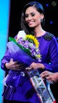 Shillah Marlysha bagging the Ratu Kebaya award