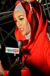 Shila Amzah being interviewed by the Meletop reporter...