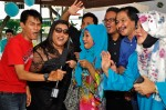The cast of Bendahara musical recording their well-wishes for the newly-weds...