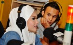 Norfasarie and Danial Ashriq at Warna 94.2FM's conty for the post-show interview...