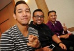 Sufie Rashid, with celebrity photographer Anwar Baba and well-respected singer-songwriter Zubir Abdullah...