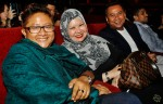 Ms. Isadhora Mohamed (centre) seen here with Ms. Noor Azmah (left) and Latiff, a staff of Mediacorp Suria...