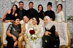 The newlyweds with Fatimah Mohsin and Diyana Halik who are seated. Standing from left to right: Ezreen Taib Zohri, Aide Iskandar, Azlan M Shafie, Eriyana Amin, Suzairhe Sumari and Suhaillah Salam...