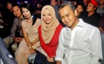 Local actresses Nina Fevriena and Rosita Hussin seen here with their hubbies...