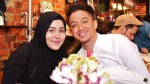 A beaming Syarif SleeQ with his expecting missus, Malaque Mahdaly...