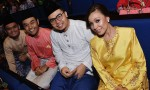 Hafidz Abdul Rahman and Zuhairi Idris of Bonda Bedah and Mak Temah fame, were seated next to Rauzan Rahman and Endang Rahayu...